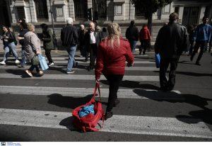 Στα Ειρηνοδικεία οι πολίτες -Συνεχίζουν να μην «κληρονομούν»