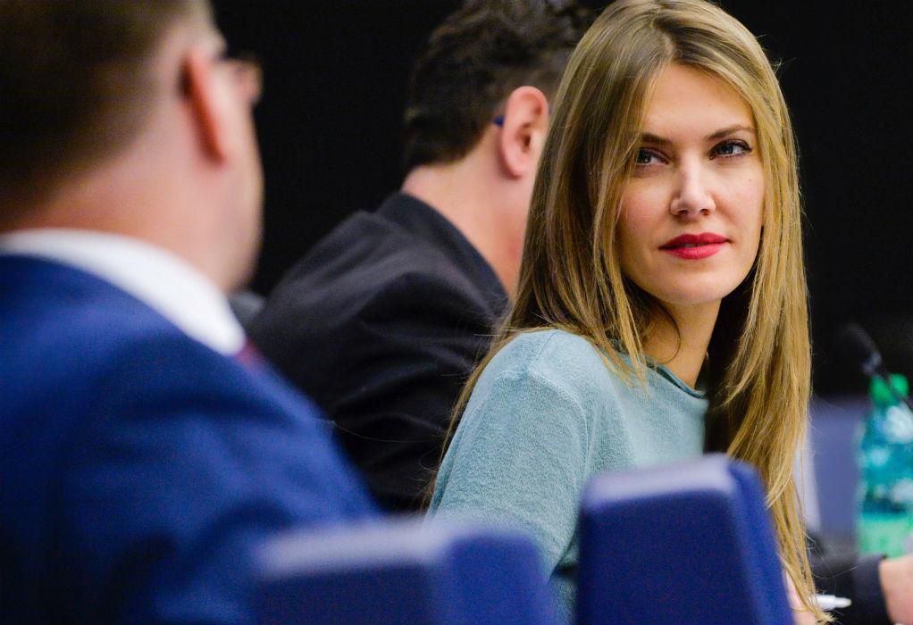 Ε. Καϊλή σε GRTimes.gr: Ευγνωμονούμε τον Τσίπρα για την εξυγίανση που έκανε στο ΠΑΣΟΚ