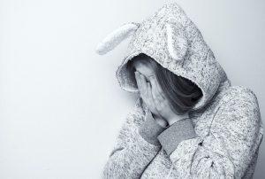 Πρήξιμο στον λαιμό: Όλες οι πιθανές αιτίες