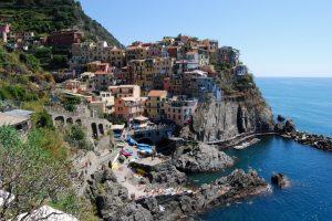 Cinque Terre: Πρόστιμο στους τουρίστες που κάνουν πεζοπορία με σαγιονάρες