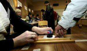 Στις κάλπες για τις βουλευτικές εκλογές οι Εσθονοί