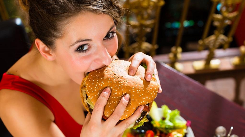 Αυτά είναι τα πρώιμα συμπτώματα των διατροφικών διαταραχών