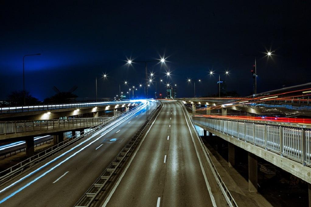 GPS στα φωτιστικά για προστασία από τις κλοπές