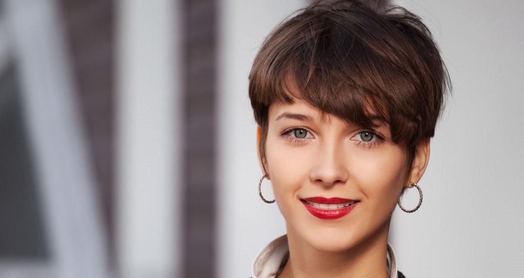 Σε ποιες γυναίκες ταιριάζει απόλυτα το stylish pixie hairlook