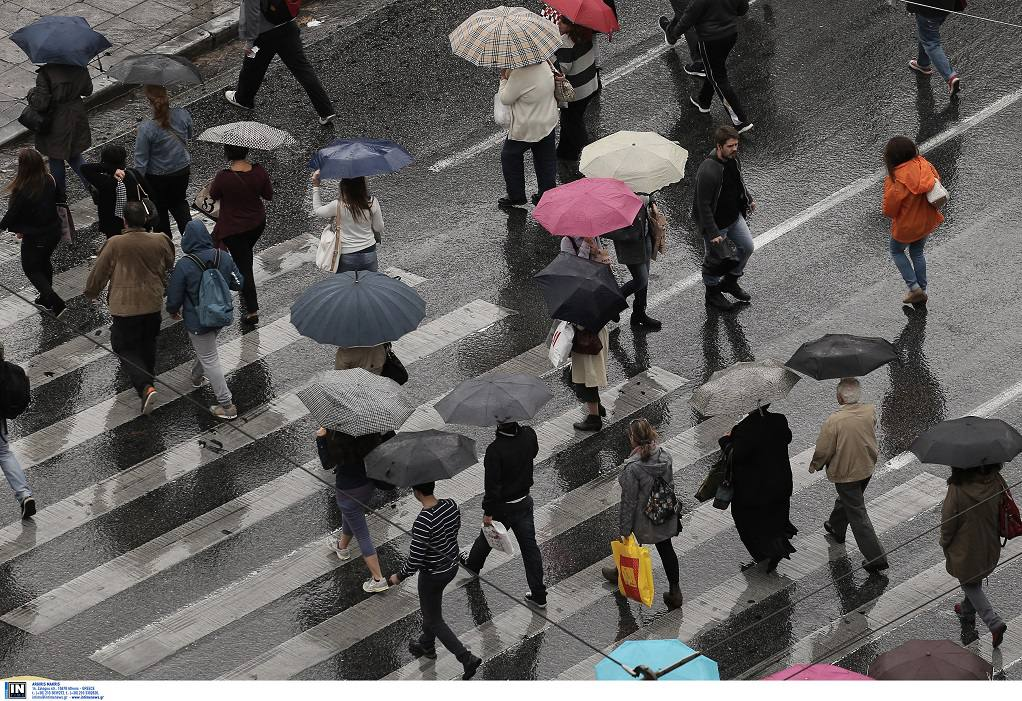 ΓΣΕΕ: Πώς θα αμειφθούν όσοι δουλέψουν τις αργίες του Πάσχα