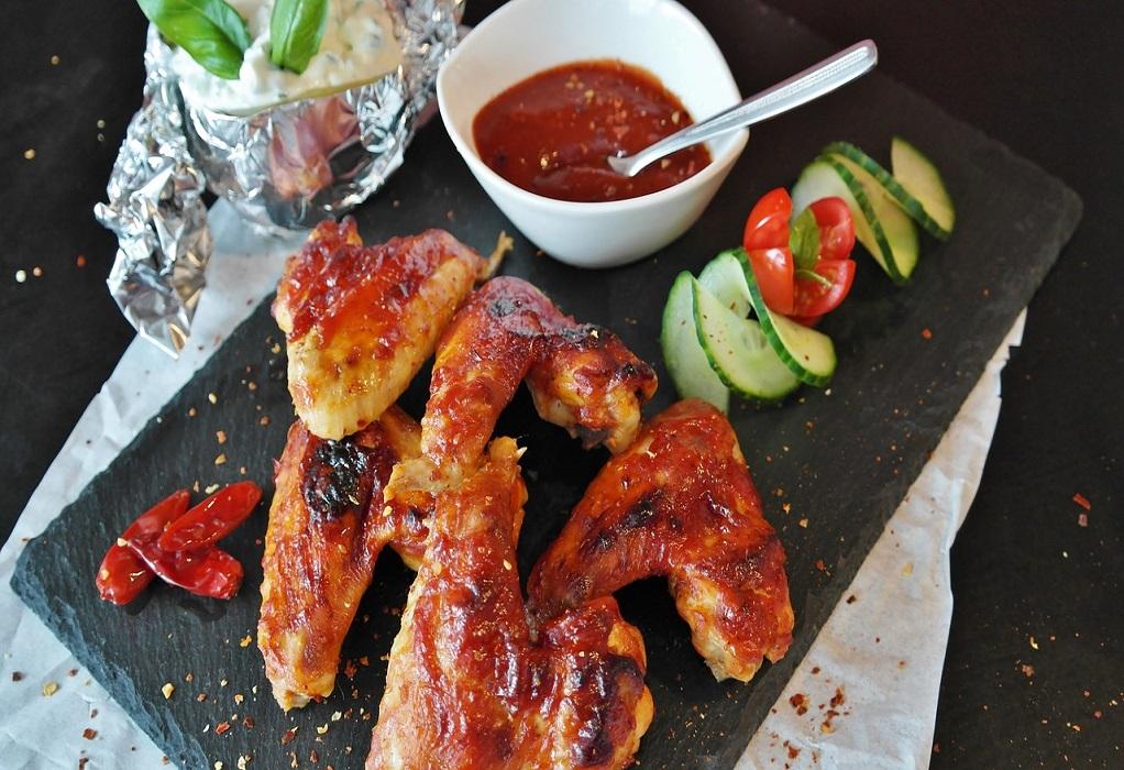 Διάσημος σεφ αποκαλύπτει το μυστικό για τέλειο ψητό κοτόπουλο (VIDEO)