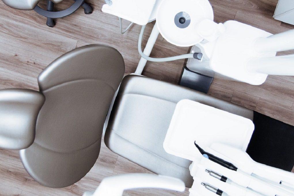 Μόνο τα έκτακτα περιστατικά στα οδοντιατρεία
