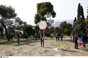 ΔΕΔΔΗΕ: Προσοχή στο πέταγμα των χαρταετών