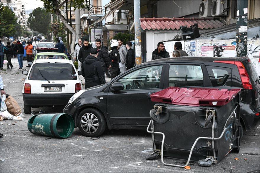 Σοκ: Σοβαρά επεισόδια στη Αθήνα με Χούλιγκαν – τραυματίες και προσαγωγές