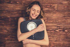 Πάσχα σε καιρό καραντίνας: Πώς να ελέγξετε το βάρος σας
