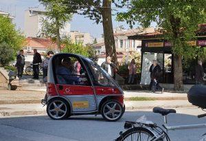 Μας βάζουν… τα γυαλιά τα Τρίκαλα: Ηλεκτροκίνητα οχήματα για το κοινό