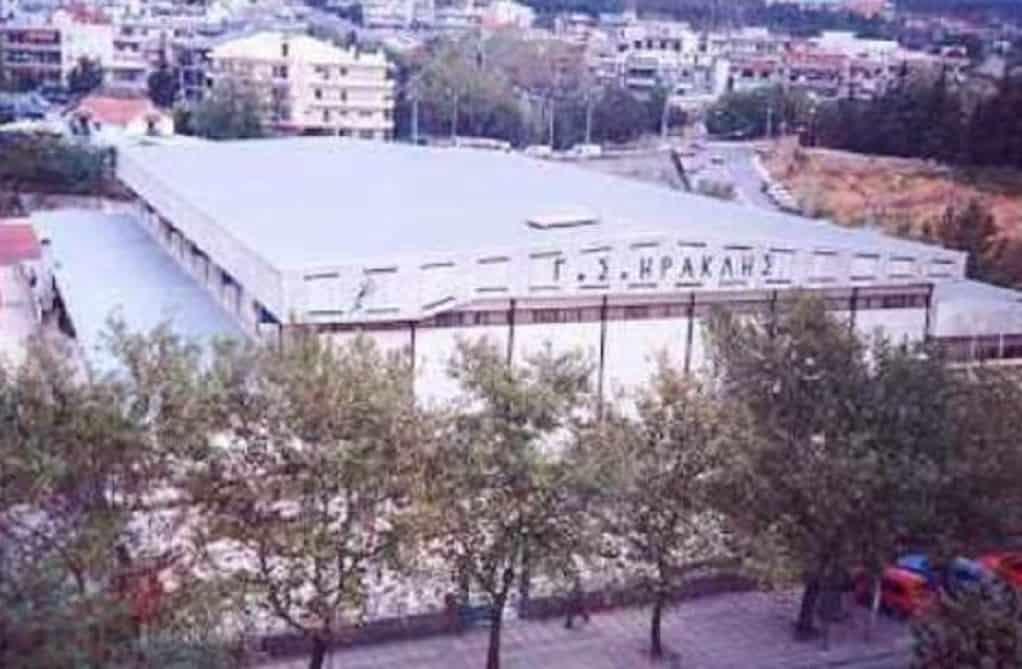 Βανδαλισμοί οπαδών του ΠΑΟΚ έξω από το Ιβανώφειο (ΦΩΤΟ)