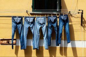 Μη πλένετε τα τζιν, βάλτε τα στην κατάψυξη!