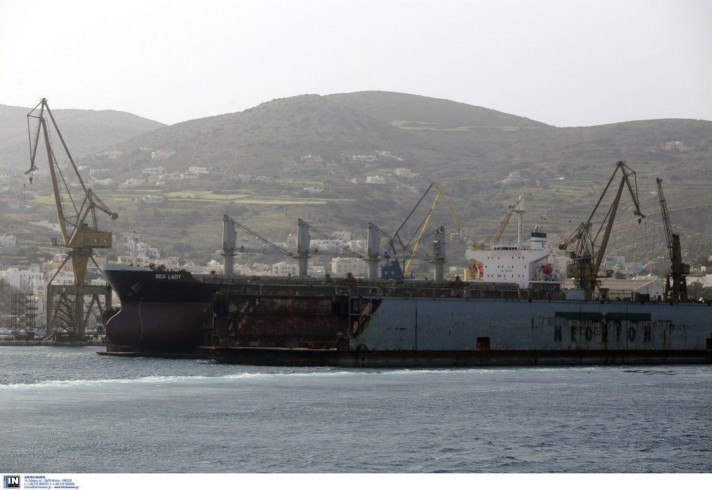 Νεώριο Σύρου: Στο «φουλ» οι δουλειές στο ναυπηγείο