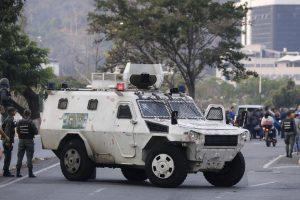 Υπ. Άμυνας Βενεζουέλας: Υπεύθυνη η αντιπολίτευση εάν υπάρξει «λουτρός αίματος»