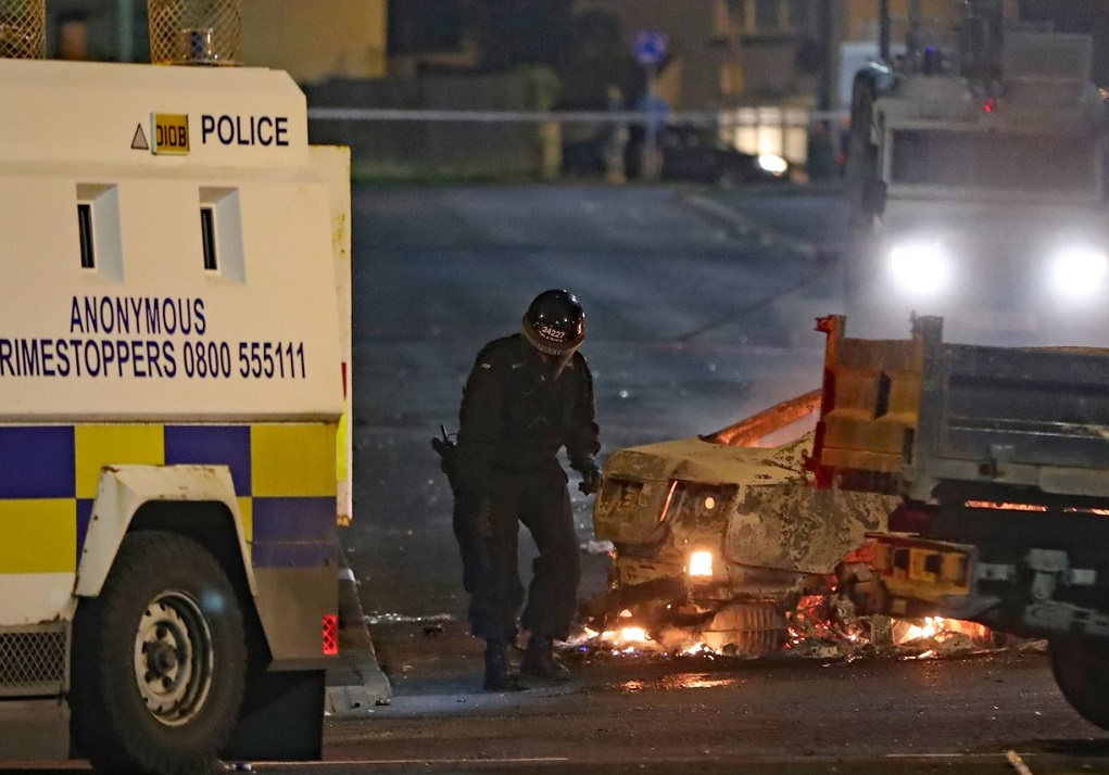 Βόρεια Ιρλανδία: Νεκρή δημοσιογράφος σε επεισόδια με τον Νέο IRA (VIDEO)
