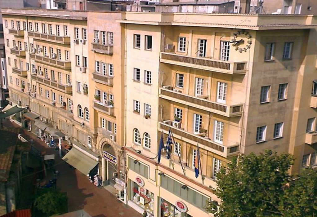 Καραβάν Σεράϊ: Εκποιούνται δύο όροφοι του παλιού Δημαρχείου