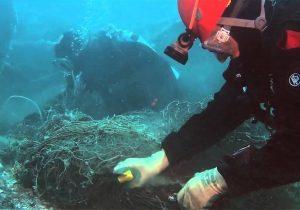 Δύο τόνοι «δίχτυα – φαντάσματα» ανασύρθηκαν από θαλάσσια περιοχή στο Στρατώνι Χαλκιδικής (VIDEO)