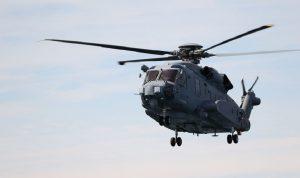 Ελικόπτερο του ΠΝ στις έρευνες για εντοπισμό του Σικόρσκι