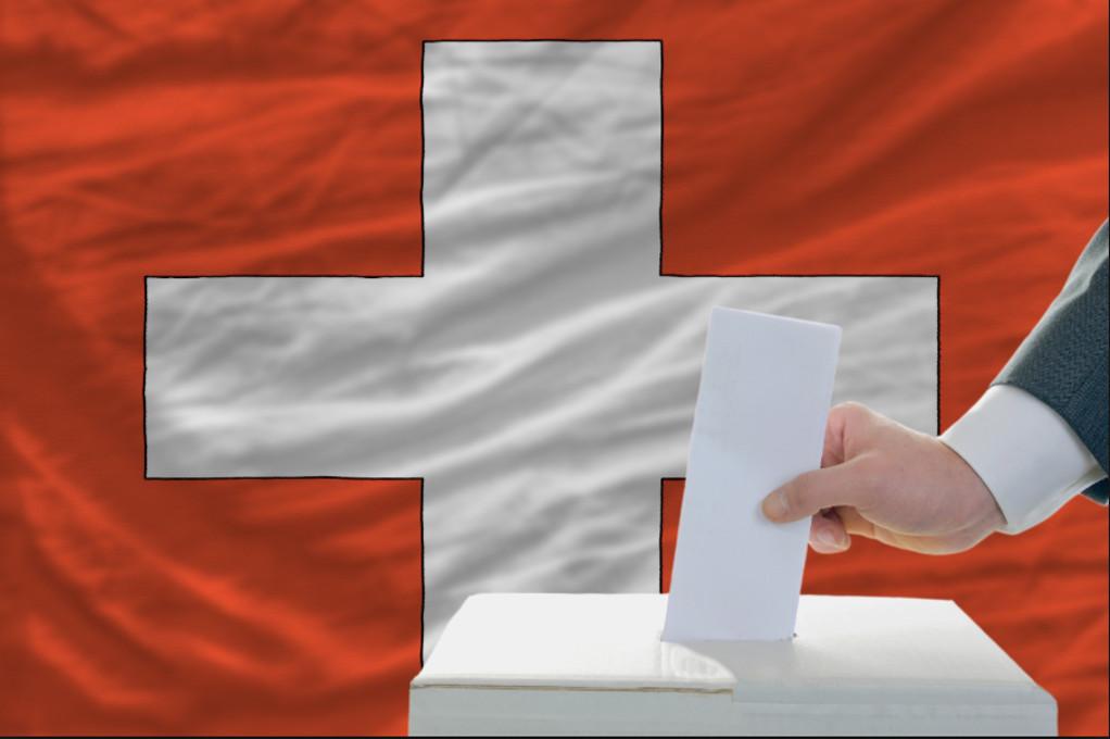 Οι Ελβετοί ψήφισαν «ναι» στην φορολογική μεταρρύθμιση