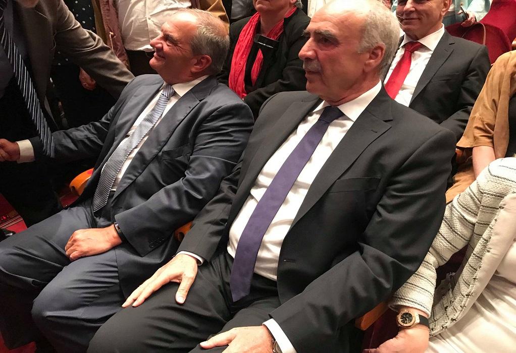 Καταχειροκροτήθηκε ο Καραμανλής στην εκδήλωση Μεϊμαράκη στη Θεσσαλονίκη (VIDEO)