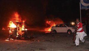 Πακιστάν: Bομβιστική επίθεση μπροστά σε τέμενος (VIDEO-ΦΩΤΟ)
