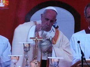 Πάπας Φραγκίσκος: Έφταιγε το ασανσέρ που άργησε στο κήρυγμα