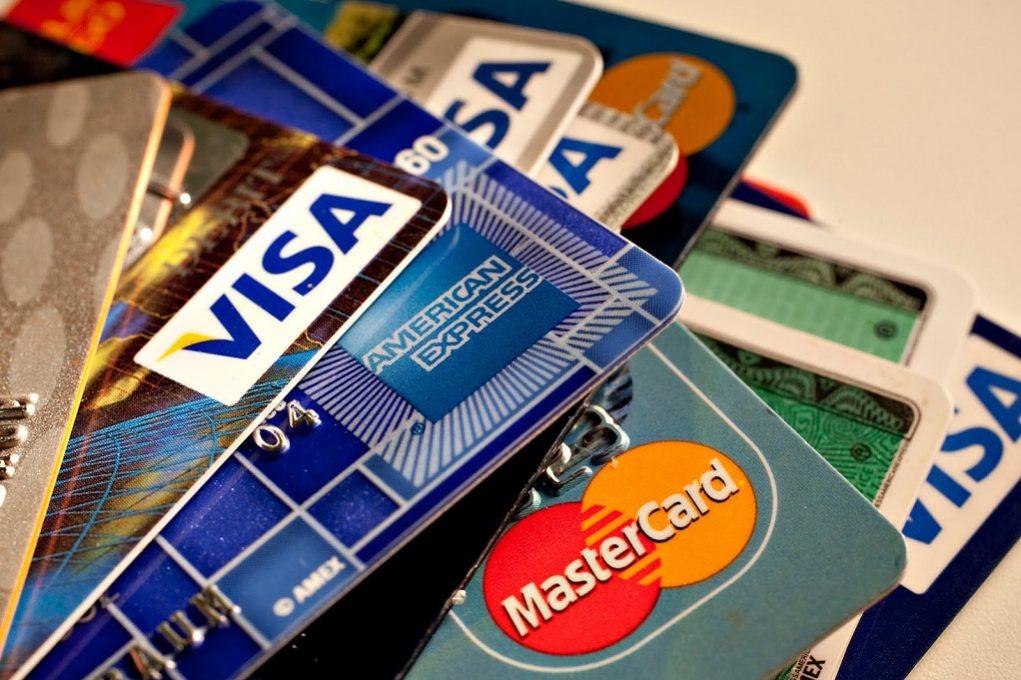 Χάκερς έκλεψαν δεδομένα τραπεζών από 15.000 κάρτες