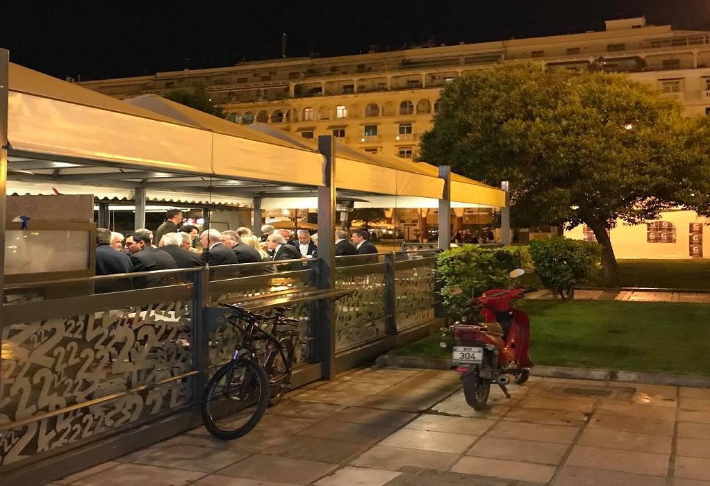 Τα… σουβλάκια του Βαγγέλη Μεϊμαράκη στην πλατεία Αριστοτέλους