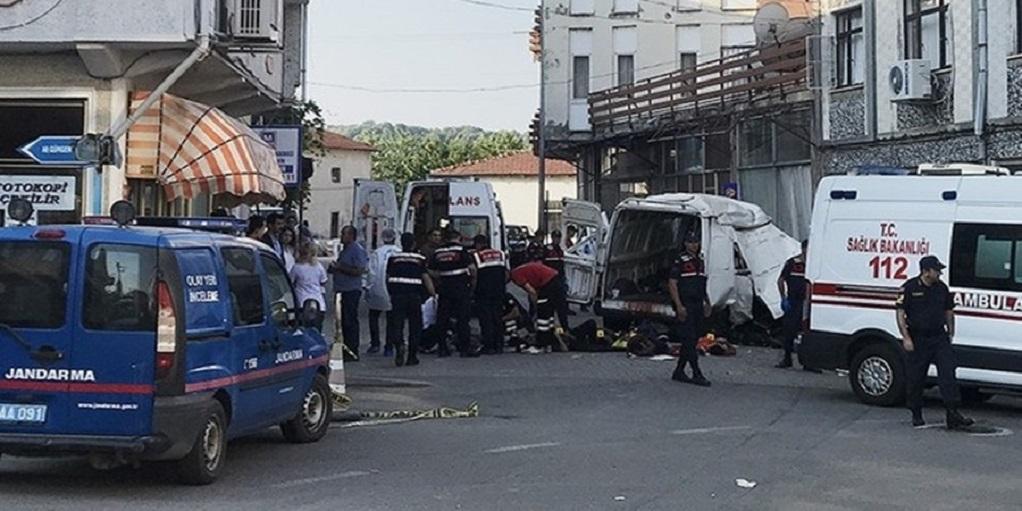 Τουρκία: Τουλάχιστον δέκα μετανάστες σκοτώθηκαν σε τροχαίο