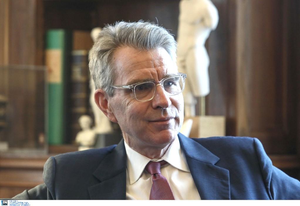 Θεσσαλονίκη: Ο Αμερικανός πρέσβης στα ΕΛΠΕ