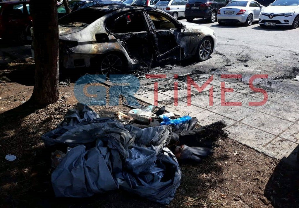 Κατηγορηματική καταδίκη των εμπρησμών αυτοκινήτων από το ΥΠ.ΕΞ