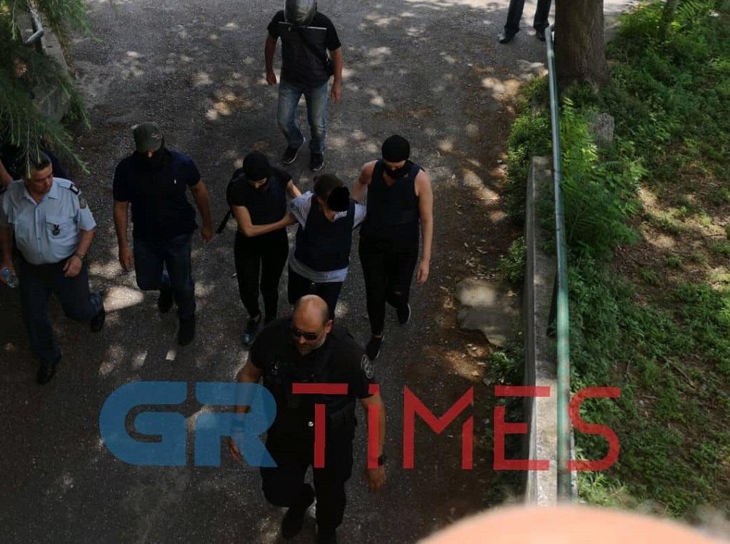 Στα δικαστήρια οι συλληφθέντες για τη ληστεία στο ΑΧΕΠΑ (ΦΩΤΟ-VIDEO)