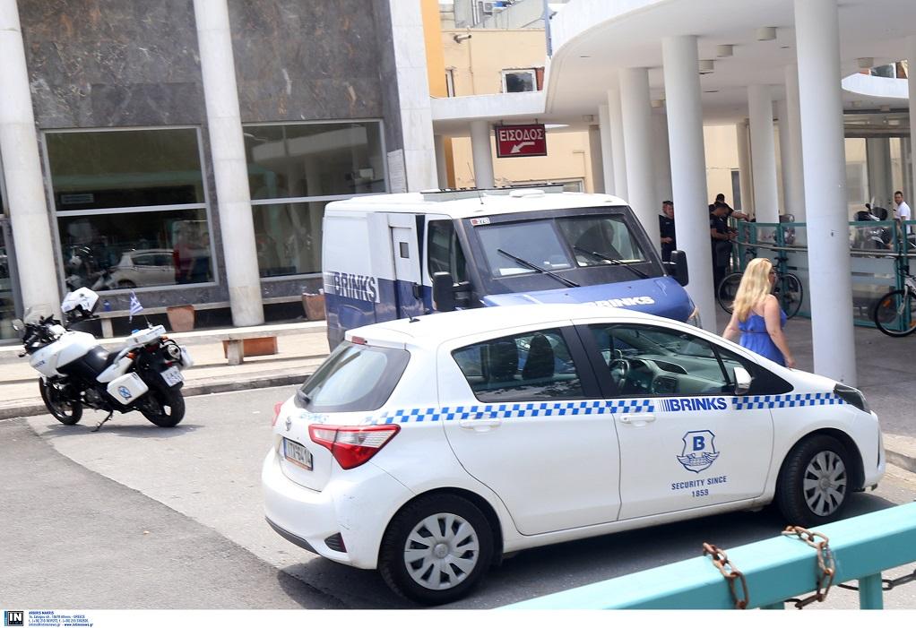 Στην εισαγγελέα οι συλληφθέντες για τη ληστεία στο ΑΧΕΠΑ
