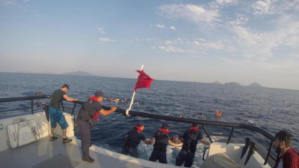 Ναυάγιο στα τουρκικά παράλια-Αναφορές για νεκρούς (VIDEO)