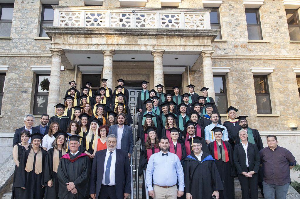 Τελετή αποφοίτησης των σπουδαστών του Perrotis College (ΦΩΤΟ)