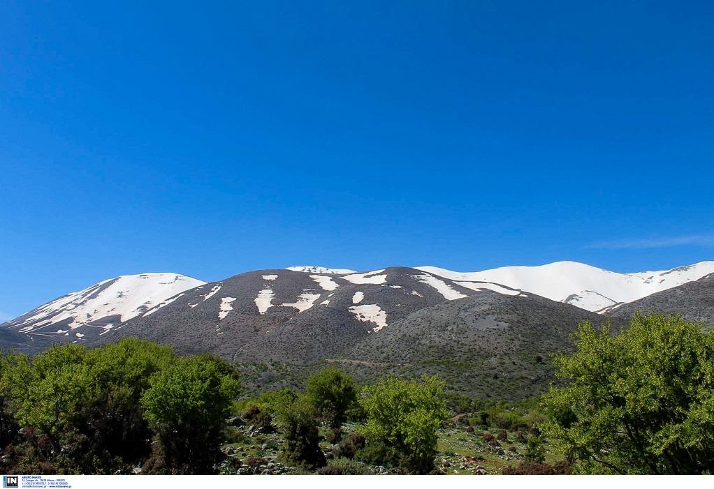 Κρήτες ορειβάτες βοήθησαν τουρίστες στον Ψηλορείτη