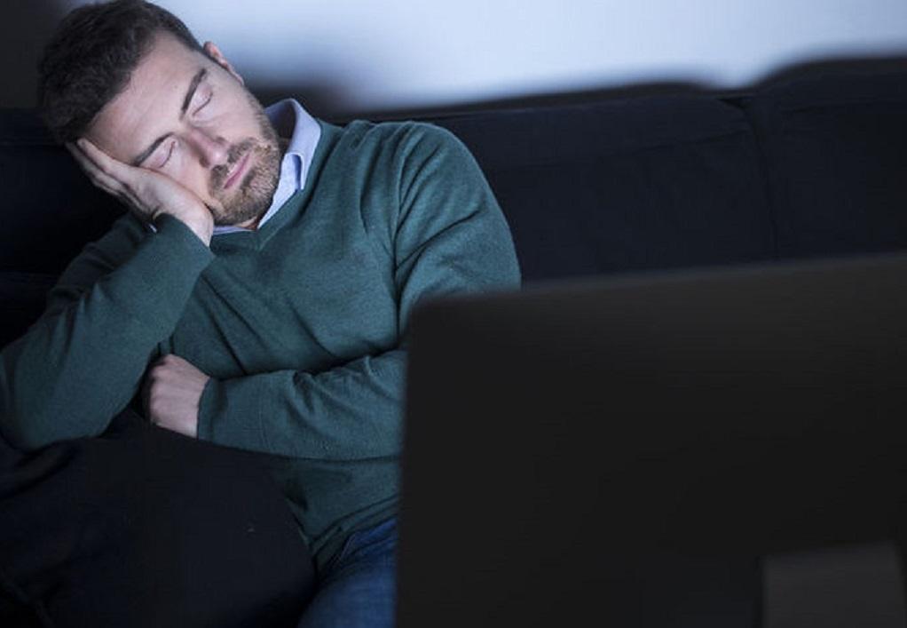 Γιατί «τινάζεστε» στον ύπνο σας;