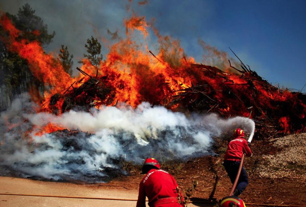 Πορτογαλία: Είκοσι τραυματίες από τις μεγάλες πυρκαγιές – Σύλληψη υπόπτου για εμπρησμό