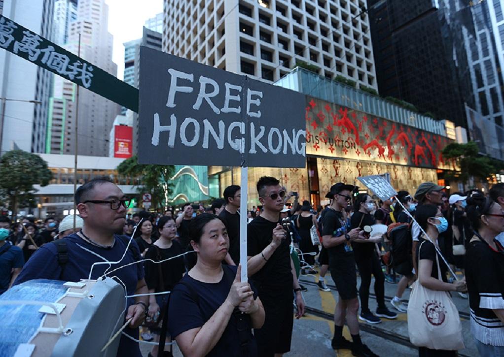 Χονγκ Κονγκ: Εκστρατεία δυσφήμισης των διαδηλωτών μέσω social media εξαπολύει το Πεκίνο