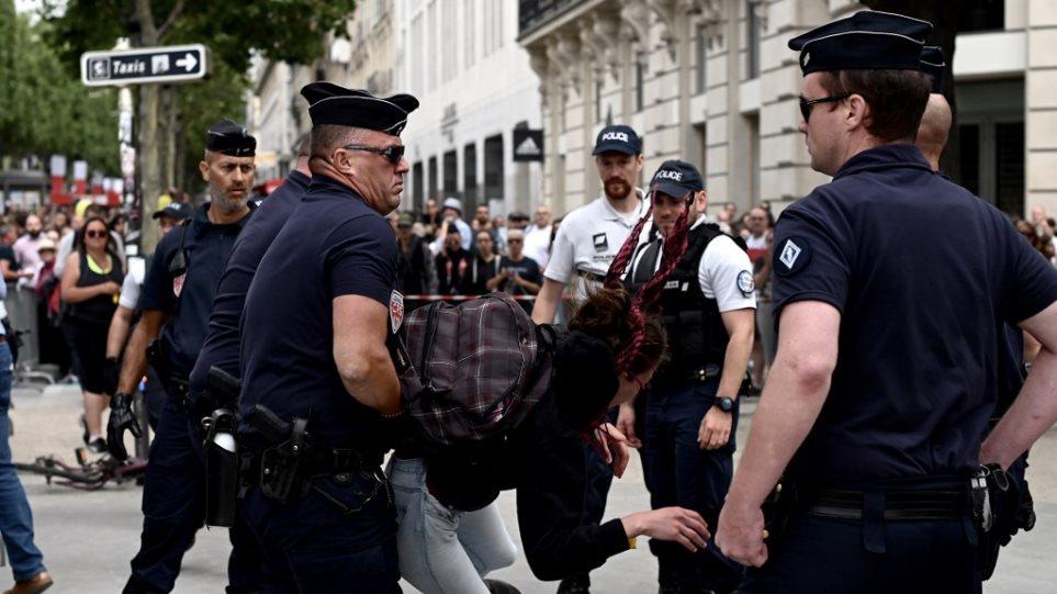 Γαλλία – Εντάσεις μεταξύ διαδηλωτών και αστυνομίας στους εορτασμούς της Ημέρας της Βαστίλης