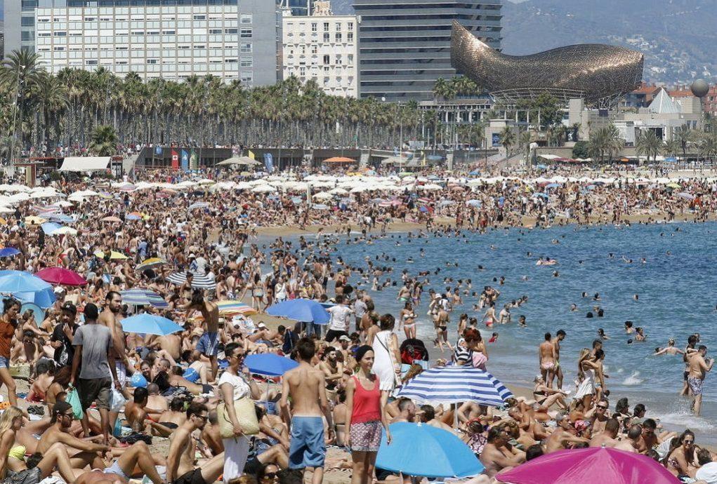 Ισπανία: Αναμένεται ρεκόρ αφίξεων ξένων τουριστών το φετινό καλοκαίρι