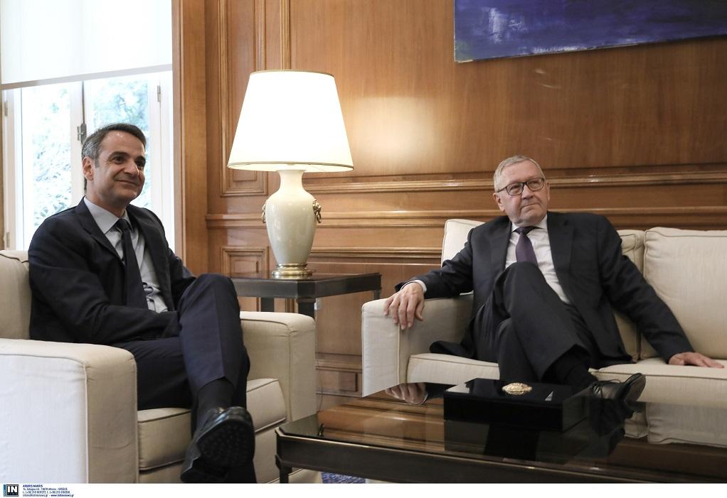 Συνάντηση Μητσοτάκη -Ρέγκλινγκ – «Η Ελλάδα θα σεβαστεί τους δημοσιονομικούς στόχους»