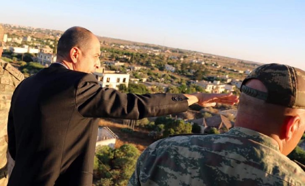 Ο «υπουργός Εξωτερικών» του ψευδοκράτους επισκέφθηκε την κλειστή Αμμόχωστο (ΦΩΤΟ)