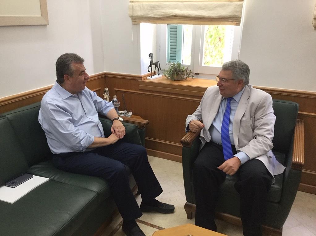Συνάντηση Αρναουτάκη με τον Γ.Γ. Απόδημου Ελληνισμού του Υπ. Εξωτερικών Γ. Χρυσουλάκη
