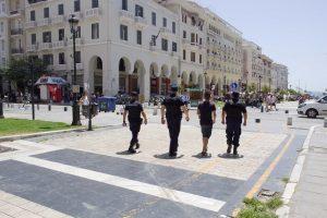 Πεζές περιπολίες στη Θεσσαλονίκη- Έλεγχοι σε περισσότερα από 13.600 άτομα
