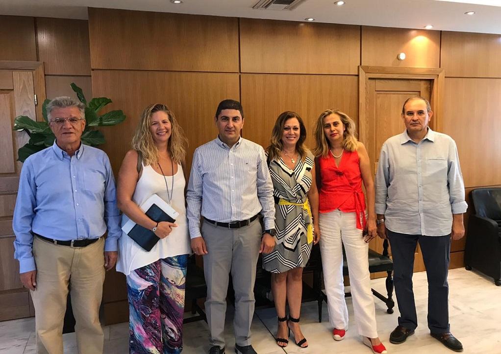 Συνάντηση Λ.Αυγενάκη με αντιπροσωπεία των προεδρείων της ΕΣΗΕΑ και του ΠΣΑΤ