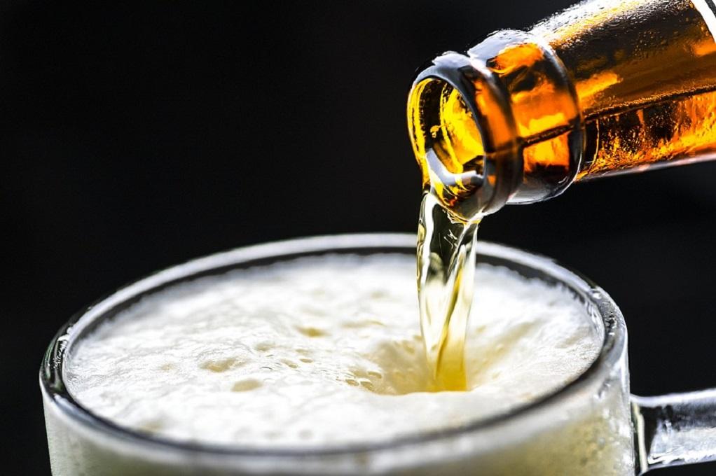 Ο covid-19 θα «κοστίσει» 30%-60% του τζίρου της αγοράς μπύρας