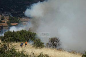 Συναγερμός στην Πυροσβεστική για φωτιές σε Μάνδρα Αττικής και Γιάννενα (ΦΩΤΟ-VIDEO)