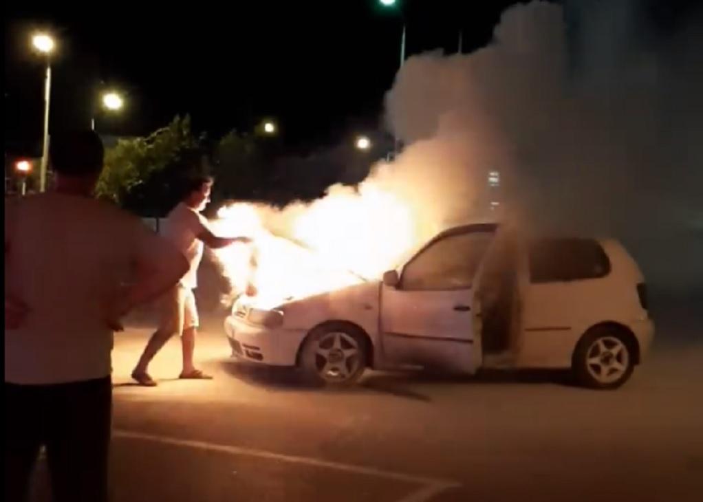 Σέρρες: Φωτιά σε δύο οχήματα